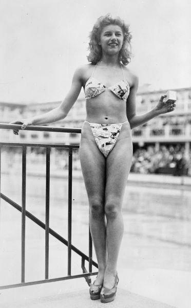 il primo bikini donna