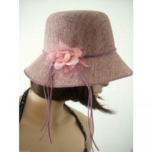 Cappello di paglia per l estate  ecco come scegliere modelli e colori 509855aa9448