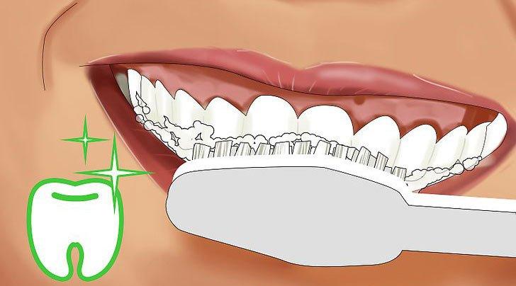 bicarbonato di sodio denti