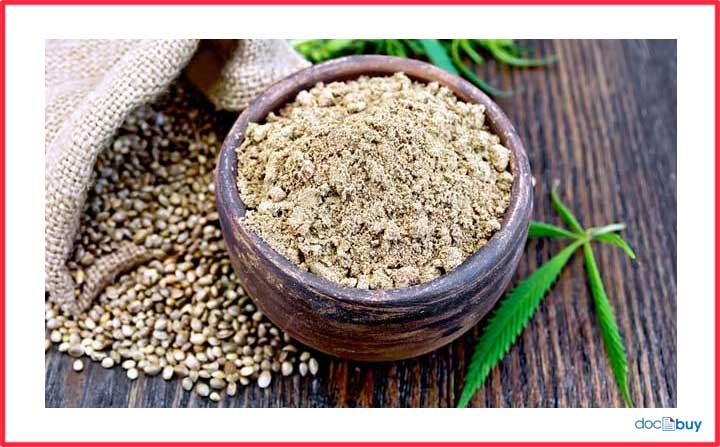 pianta di canapa farina di canapa