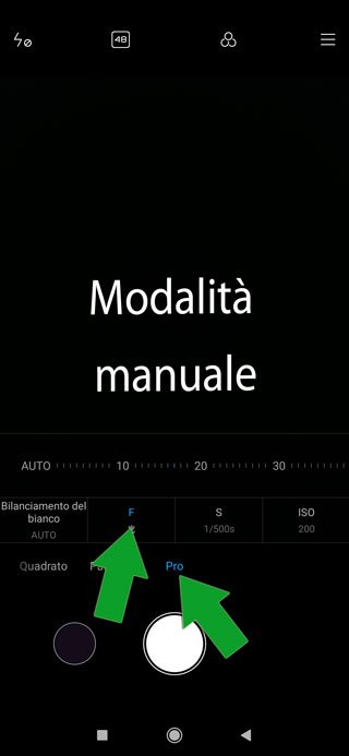 fotocamera smartphone in modalità manuale - messa a fuoco