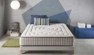 letto con materasso in memory foam